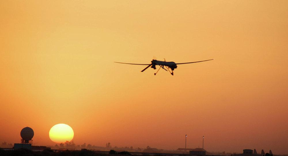 IS chế máy bay không người lái mang vũ khí 1