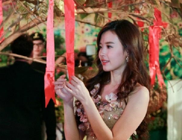 Midu rạng rỡ tham gia sự kiện trước tin đồn quay lại với Phan Thành 2