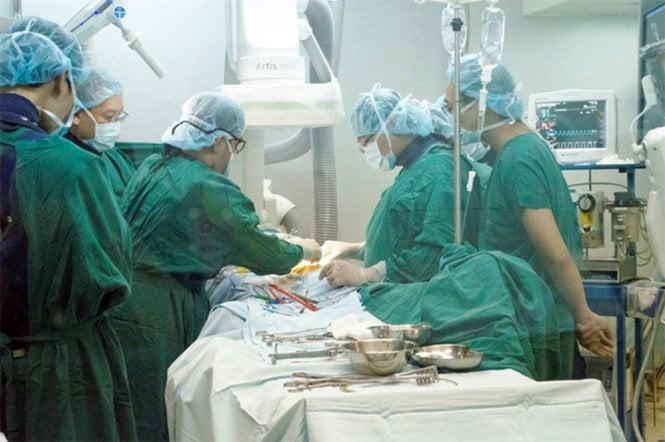 Hình ảnh Cứu sống bệnh nhân nguy kịch do phình động mạch chủ ngực số 1