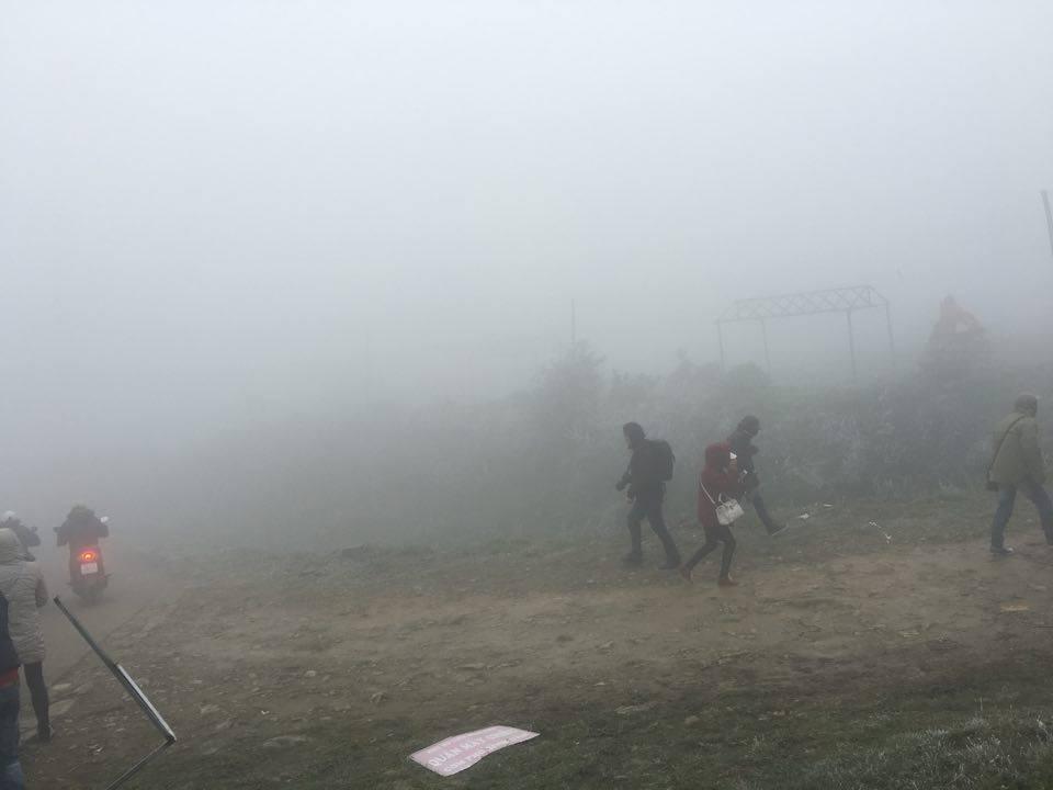 Giới trẻ đổ xô lên Mẫu Sơn chụp ảnh băng giá 4