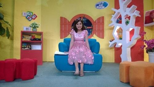 Tiết lộ người chị gái xinh đẹp của Hòa Minzy 1