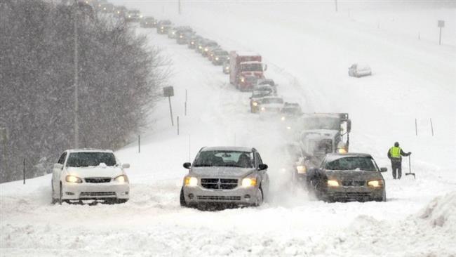 Nước Mỹ tê liệt vì bão tuyết 2