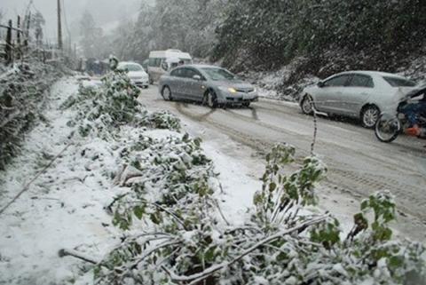 Kinh nghiệm lái xe ôtô an toàn khi đến vùng có tuyết rơi 1