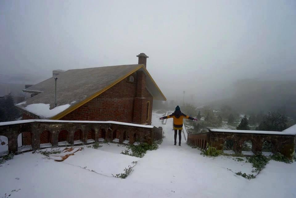 Tuyết rơi trắng nhiều nơi ở Lạng Sơn 1