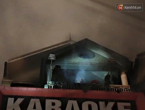 Cháy quán karaoke ở Đê La Thành, Hà Nội 2