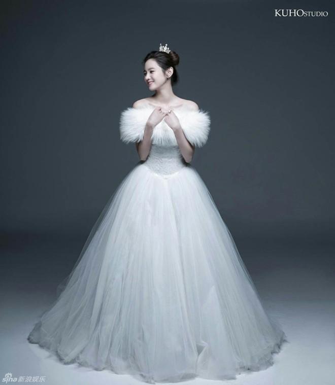 Ngắm vẻ đẹp của kiều nữ Hàn trong những mẫu váy cưới hot năm 2016 6