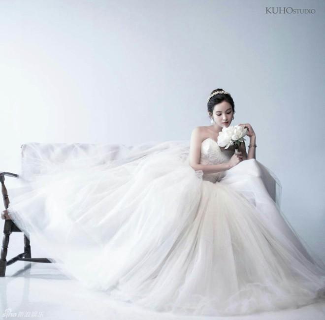 Ngắm vẻ đẹp của kiều nữ Hàn trong những mẫu váy cưới hot năm 2016 9
