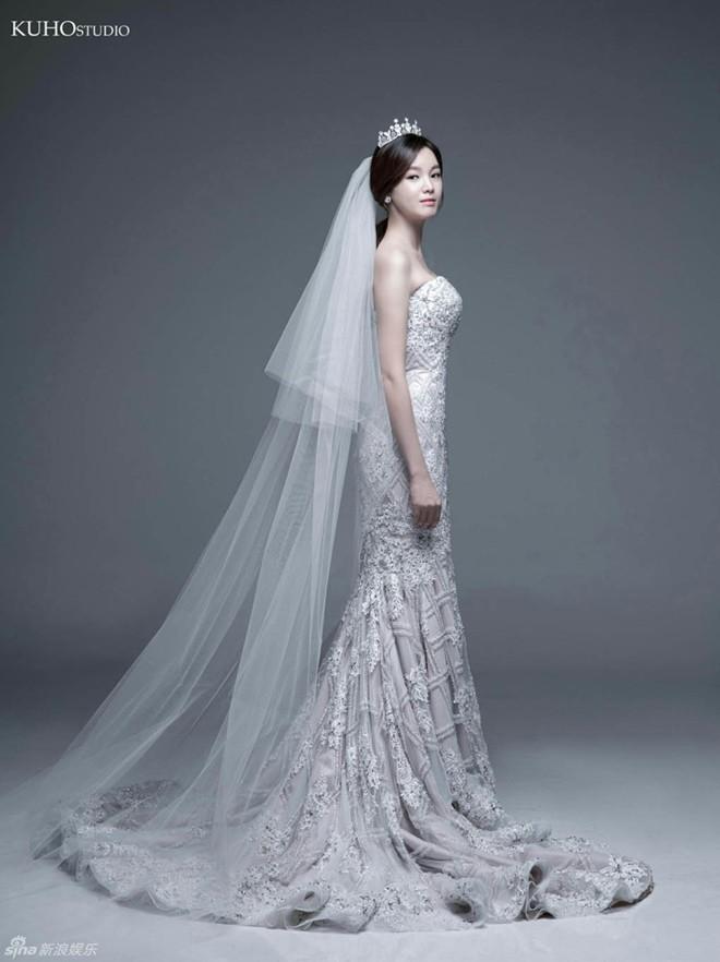 Ngắm vẻ đẹp của kiều nữ Hàn trong những mẫu váy cưới hot năm 2016 2