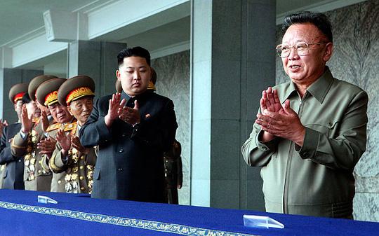 Tình báo Hàn: Kim Jong-un từng suýt không được kế vị cha  1