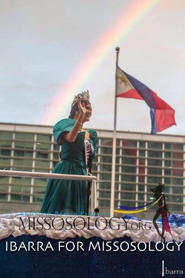 Người dân Philippines diễu hành chào đón Hoa hậu Hoàn vũ 2015 11