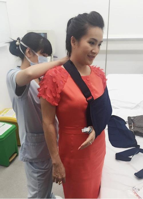 Bà xã Bình Minh bị tai nạn rạn xương 1