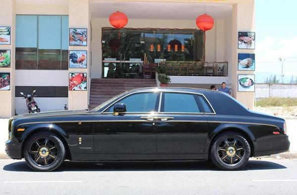 Rolls-Royce Phantom mạ vàng trong đám cưới đại gia Quảng Ninh 4