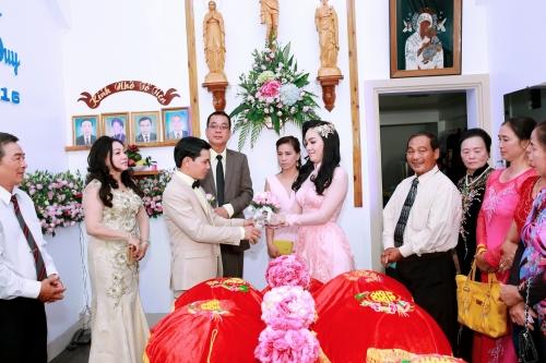 Vũ Hoàng Điệp bất ngờ vắng mặt trong lễ cưới chị ruột 1