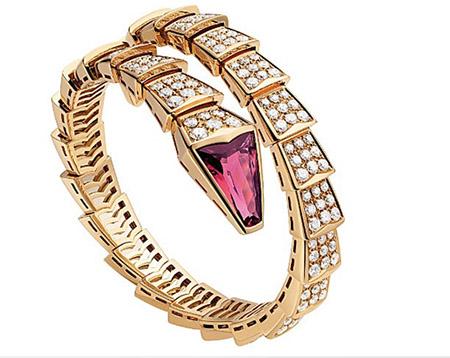 """Tóc Tiên """"chơi trội"""" với bộ trang sức kim cương gần 2 tỷ đồng 4"""