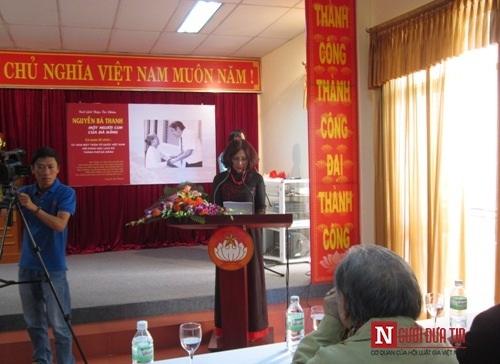 Con ông Nguyễn Bá Thanh bật khóc trong ngày giới thiệu sách về cha 1