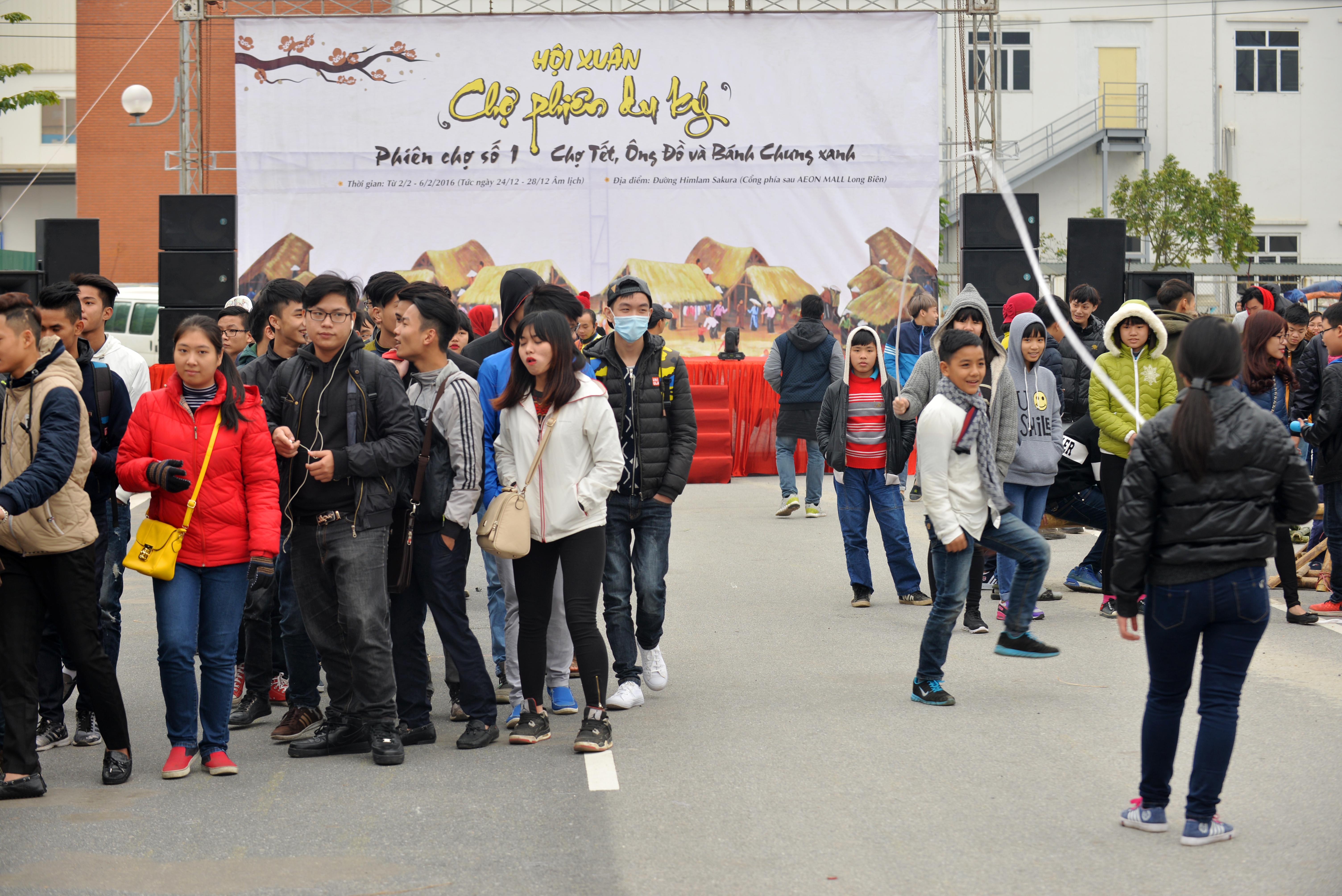 Phiên chợ Tết cổ truyền giữa lòng Thủ đô Hà Nội 1