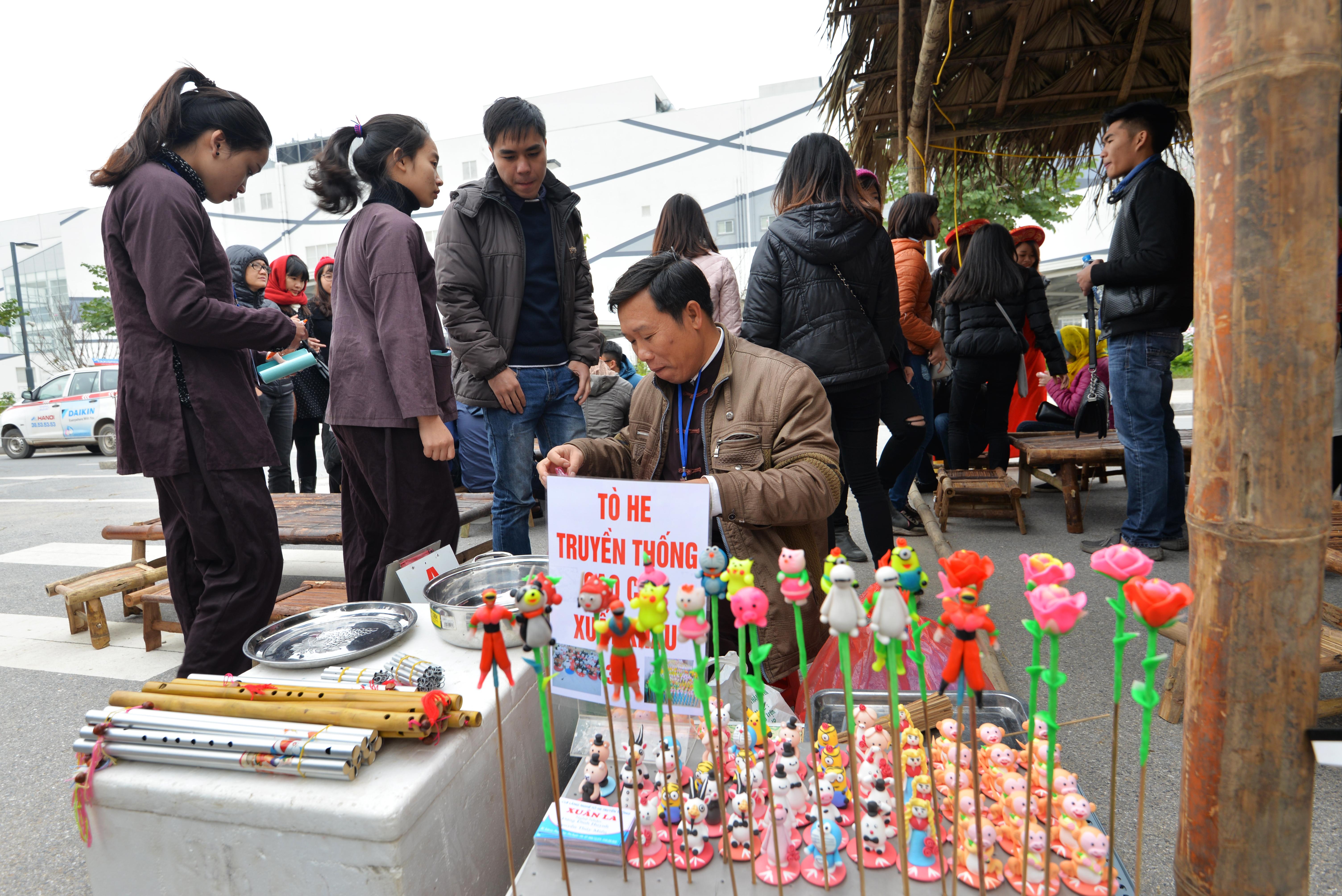 Phiên chợ Tết cổ truyền giữa lòng Thủ đô Hà Nội 7