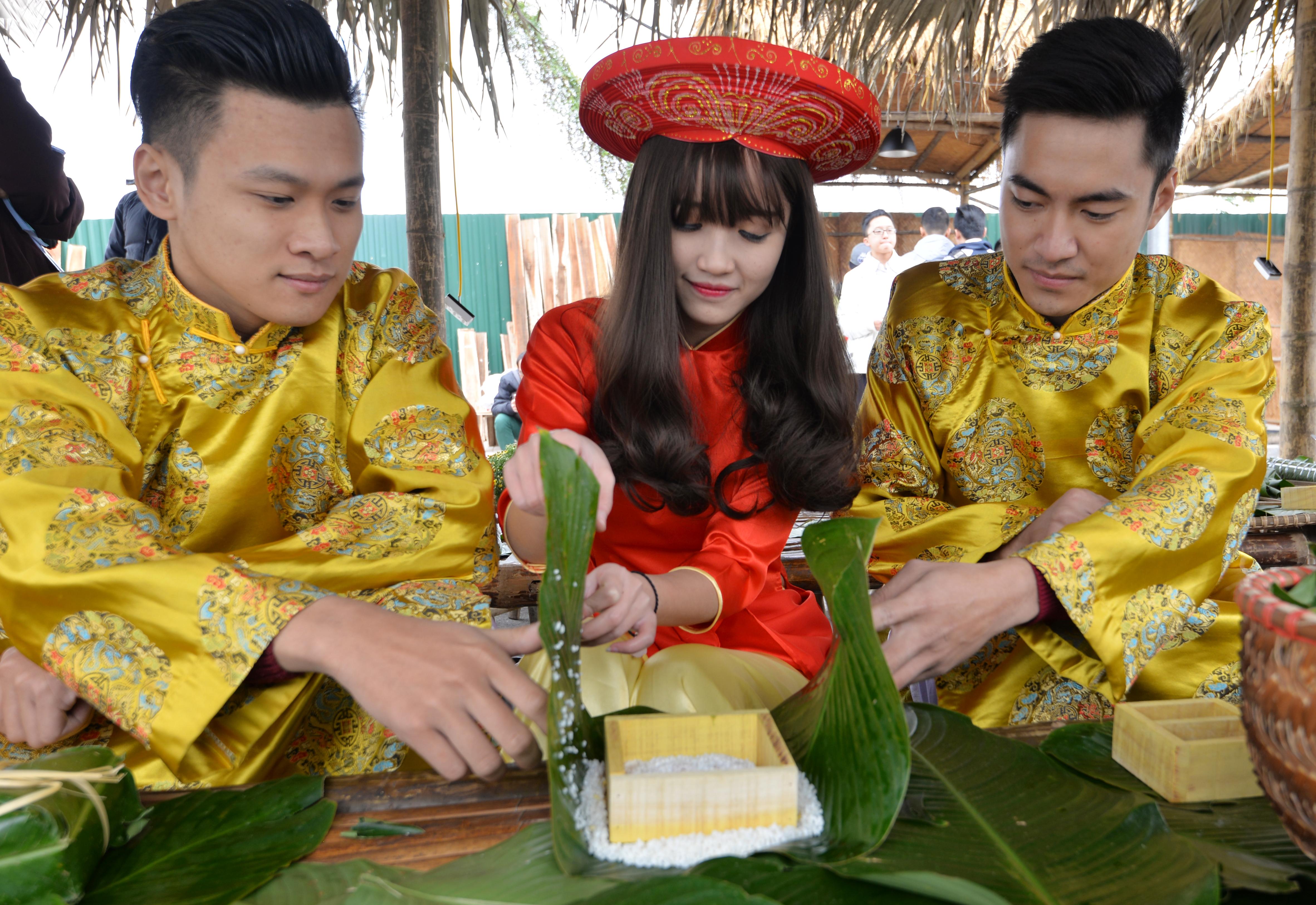 Giải trí - Phiên chợ Tết cổ truyền giữa lòng Thủ đô Hà Nội