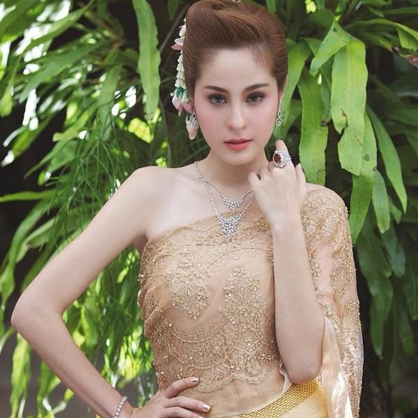 5 mỹ nhân Thái được nhiều người chọn làm hình mẫu phẫu thuật thẩm mỹ 7