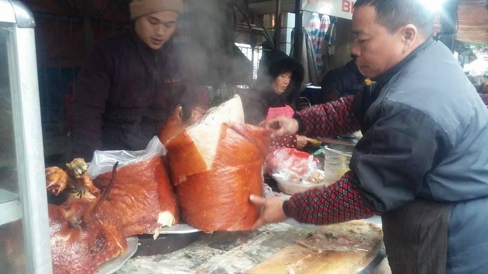 Thịt lợn quay, món ăn thơm ngon trong ngày Tết 11