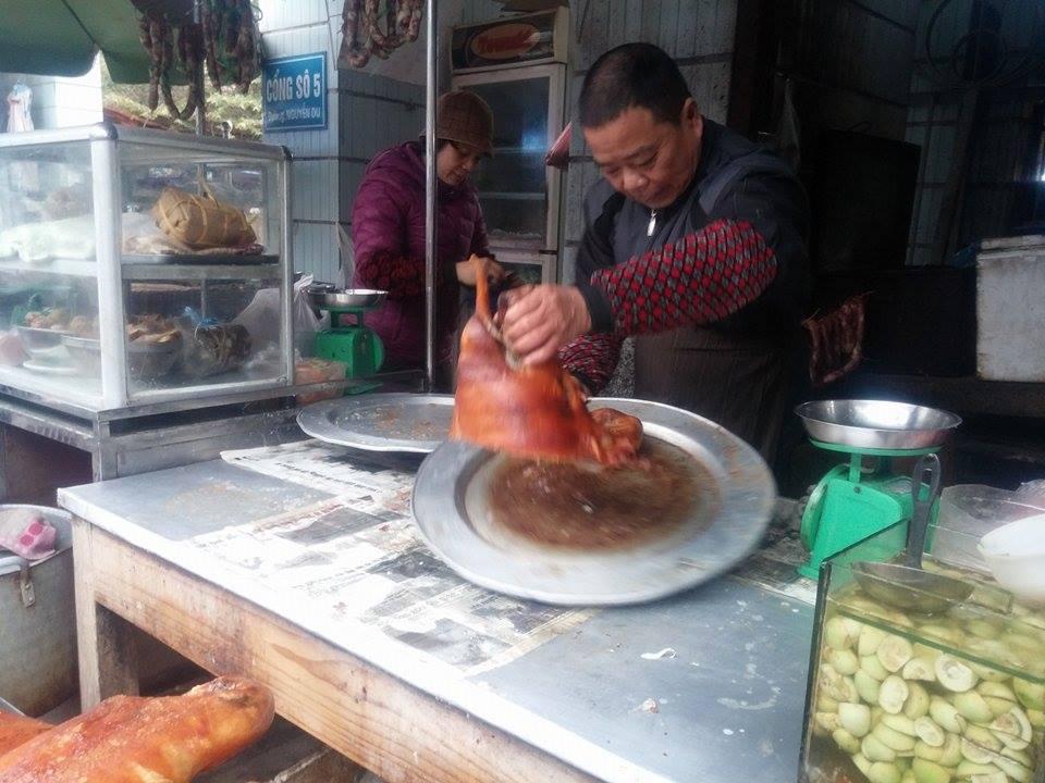 Thịt lợn quay, món ăn thơm ngon trong ngày Tết 8