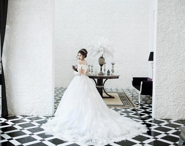 Giải trí - Ngắm váy cưới đậm chất