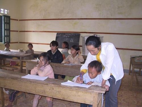 Hai cô giáo trên đỉnh Piêng Luông thắp sáng ước mơ giảng đường ĐH 1