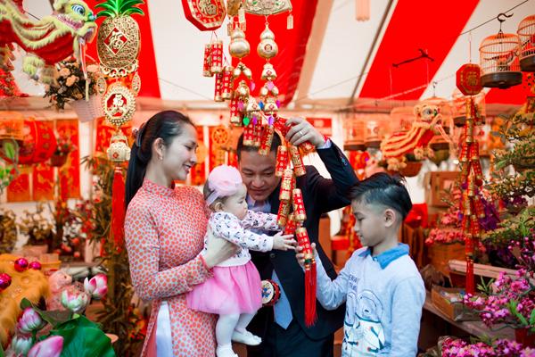 Giải trí - Kim Hiền hạnh phúc đón năm mới cùng chồng con ở bên Mỹ