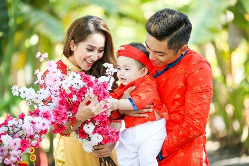 Những hình ảnh hạnh phúc của Khánh Thi và người  tình trẻ 1