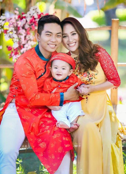 Những hình ảnh hạnh phúc của Khánh Thi và người  tình trẻ 2