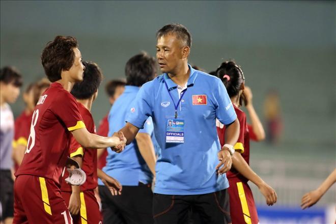 HLV bị VFF sa thải dẫn dắt CLB bóng đá nữ hàng đầu Nhật Bản 1