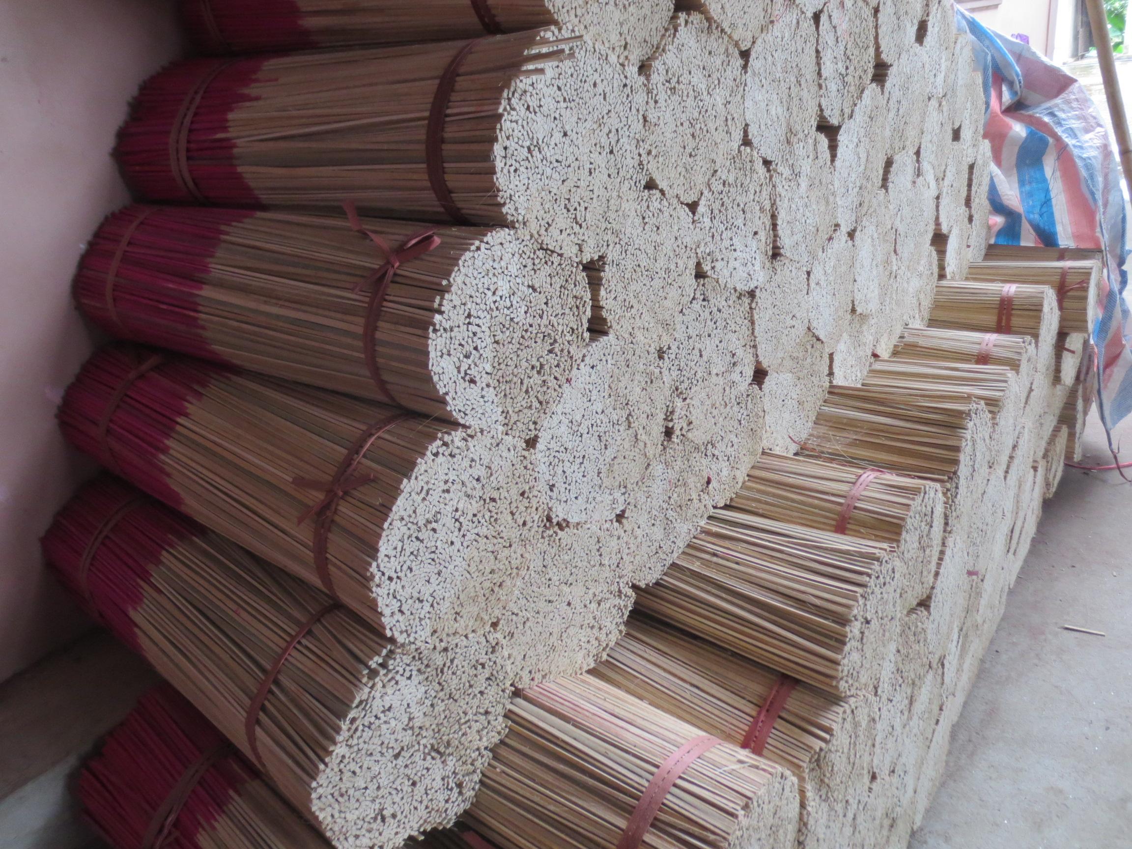 Kiếm 30 triệu sau mỗi vụ sản xuất hương trầm xứ Nghệ 2