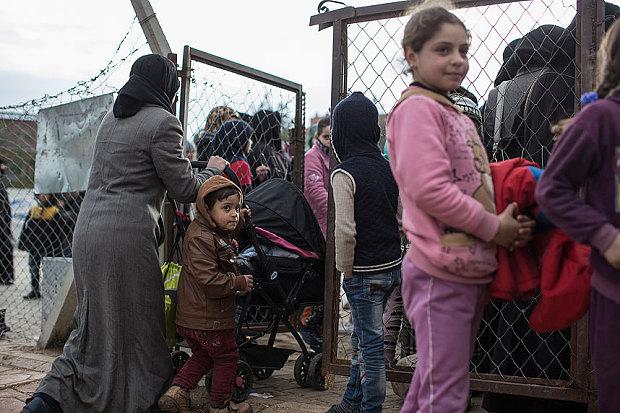Thổ Nhĩ Kỳ đe dọa trục xuất người tị nạn sang châu Âu 1