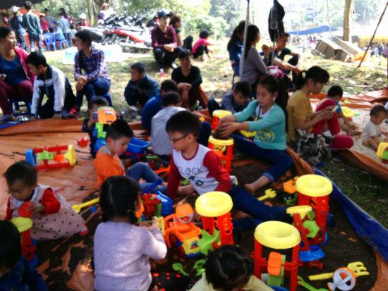 Hình ảnh Nô nức chen chân dự hội đền Măng Sơn số 10