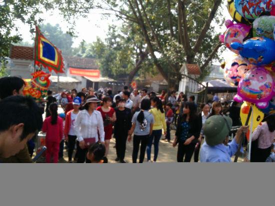 Hình ảnh Nô nức chen chân dự hội đền Măng Sơn số 11