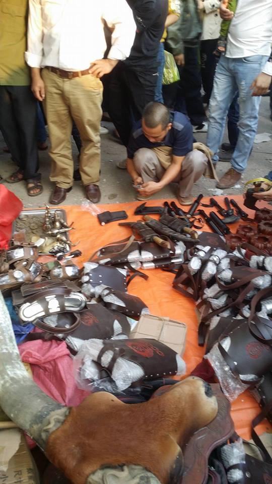 Hình ảnh Chợ Viềng Nam Định chật cứng người mua may, bán rủi số 3
