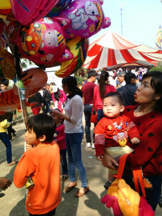 Hình ảnh Nô nức chen chân dự hội đền Măng Sơn số 8