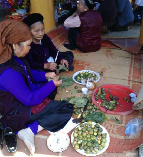 Nô nức chen chân dự hội đền Măng Sơn 7