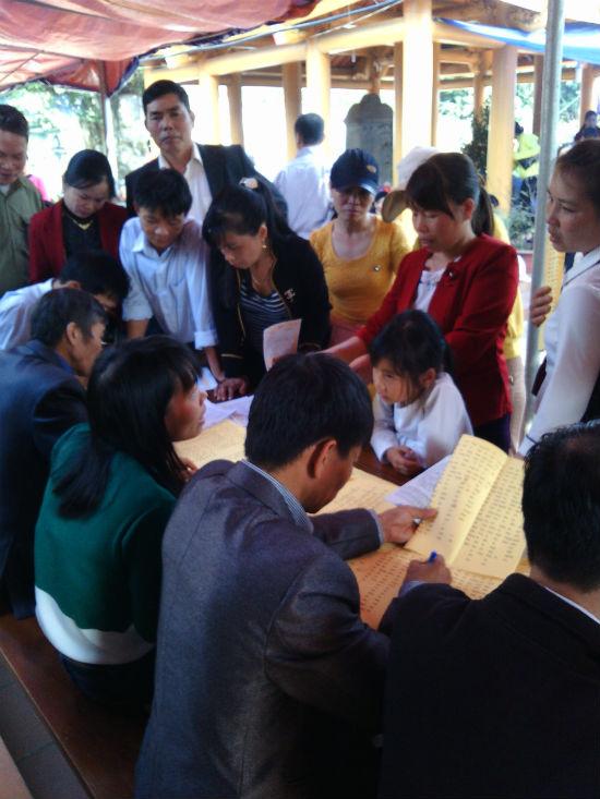 Hình ảnh Nô nức chen chân dự hội đền Măng Sơn số 6