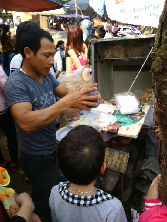 Hình ảnh Nô nức chen chân dự hội đền Măng Sơn số 4