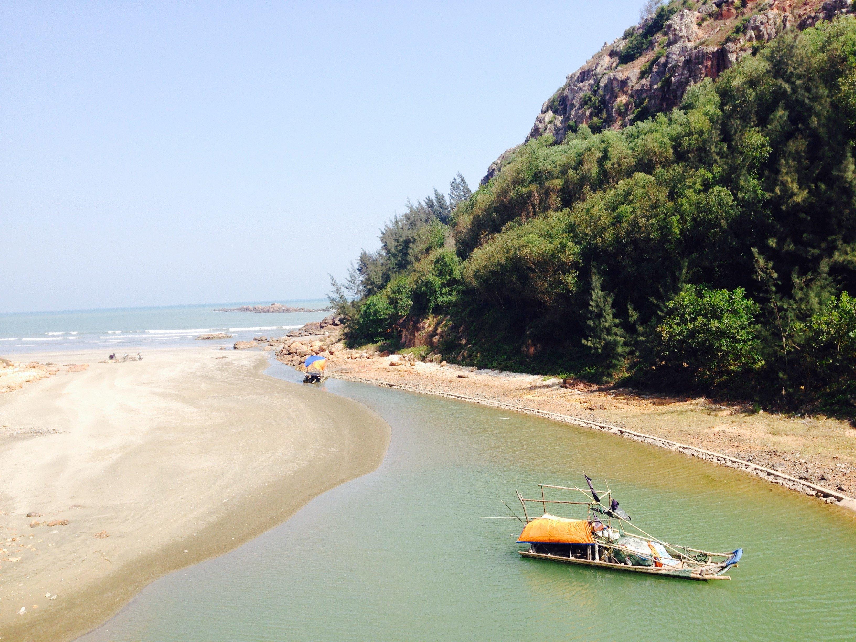 Hình ảnh Biển Quỳnh hoang sơ và đẹp quyến rũ trong nắng xuân số 5