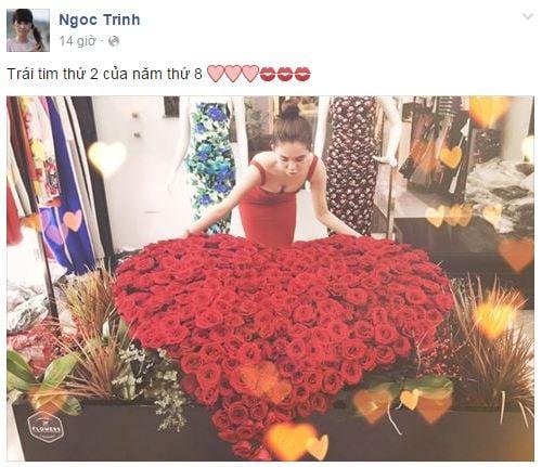 Hình ảnh Ngọc Trinh nhận được bó hoa hồng lớn trong ngày Valentine của bạn trai đại gia số 1