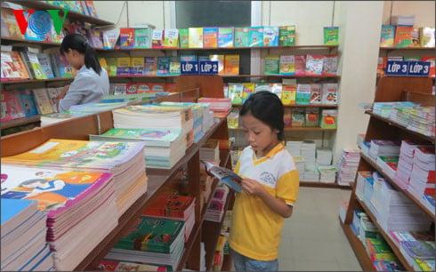 Bộ GD-ĐT bác bỏ thông tin về hai bộ sách giáo khoa miền Bắc, miền Nam 1