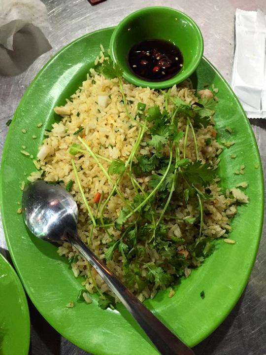 """Nha Trang: Nhân viên nhà hàng đuổi khách """"ăn xong thì cút đi"""" 1"""