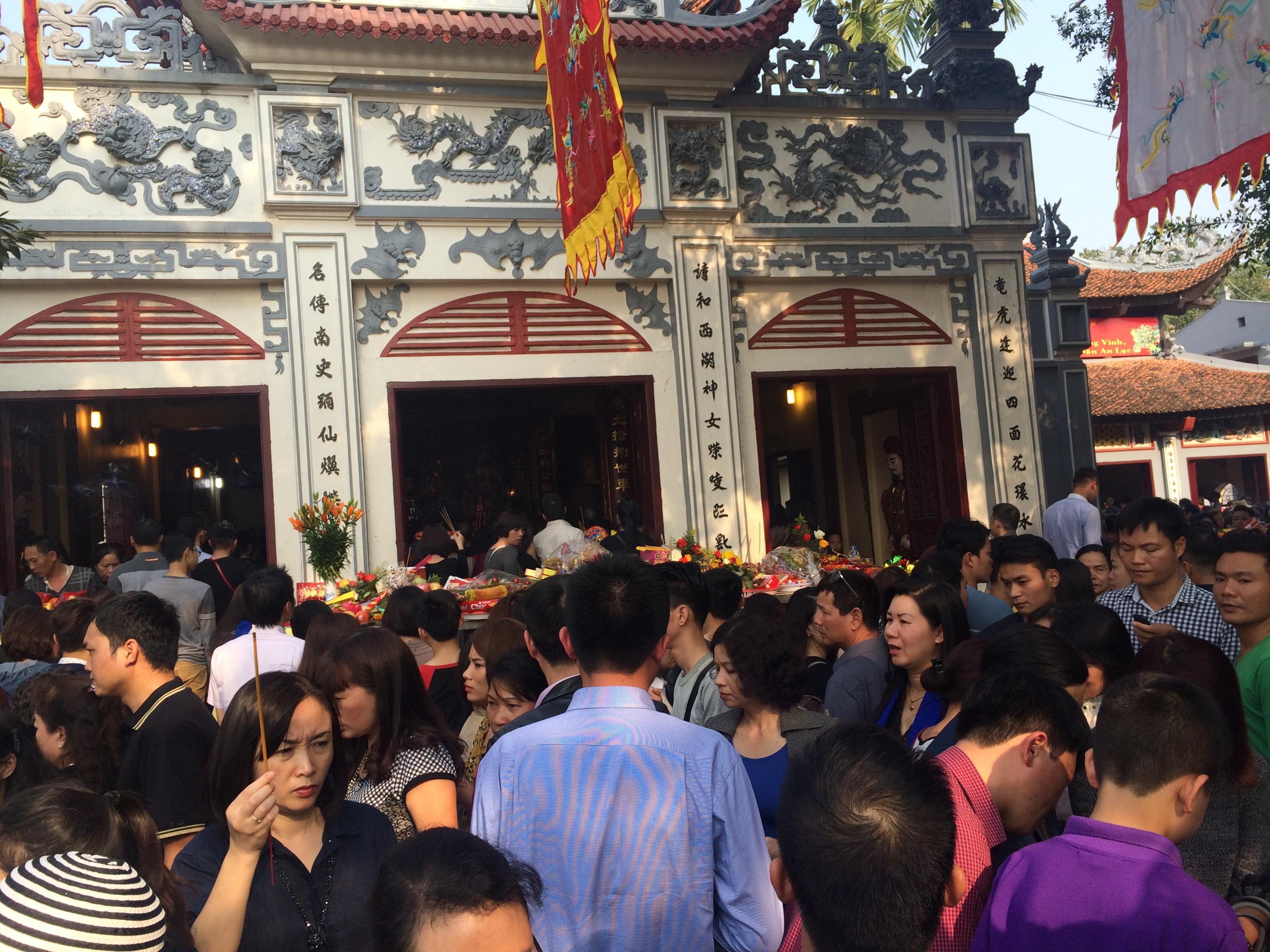 Thủ tướng yêu cầu cán bộ, công chức không đi lễ hội trong giờ hành chính 1