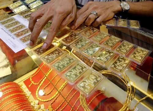Sát ngày thần tài, vàng giảm gần 1 triệu, dự báo điều gì? 1