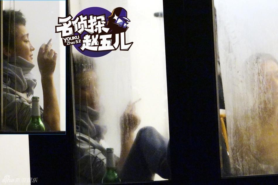 Ngỡ ngàng với hình ảnh Châu Tấn thản nhiên hút thuốc, uống rượu 5