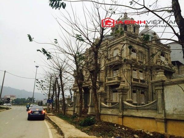 """Biệt thự """"khủng"""" của nữ đại gia Lào Cai bị bỏ hoang 1"""