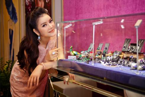Nữ đại gia buôn kim cương đẹp bậc nhất Việt Nam 1