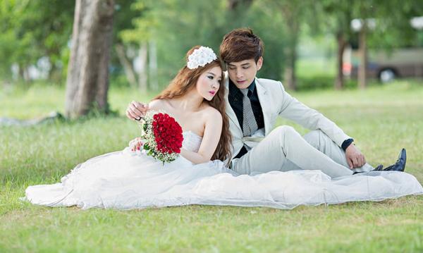 Lộ ảnh cưới chính thức của Hồ Quang Hiếu và hot girl Ivy 1